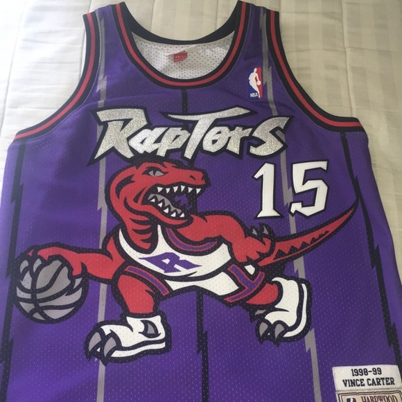 0a69ae1cb Raptors Mitchell   Ness Vince Carter size 44. M 5b7dc47c9e6b5b044608698d